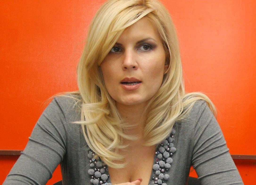 Elena Udrea si-a început cariera politica in PSD